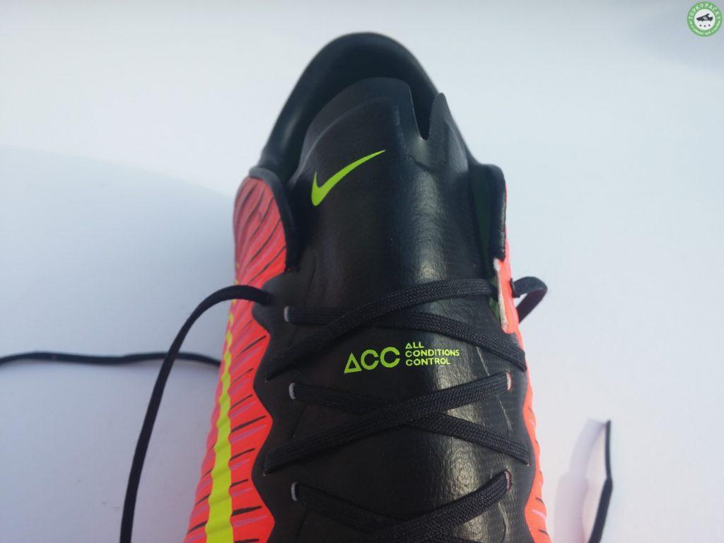 Nike Mercurial Vapor XI - zavazování