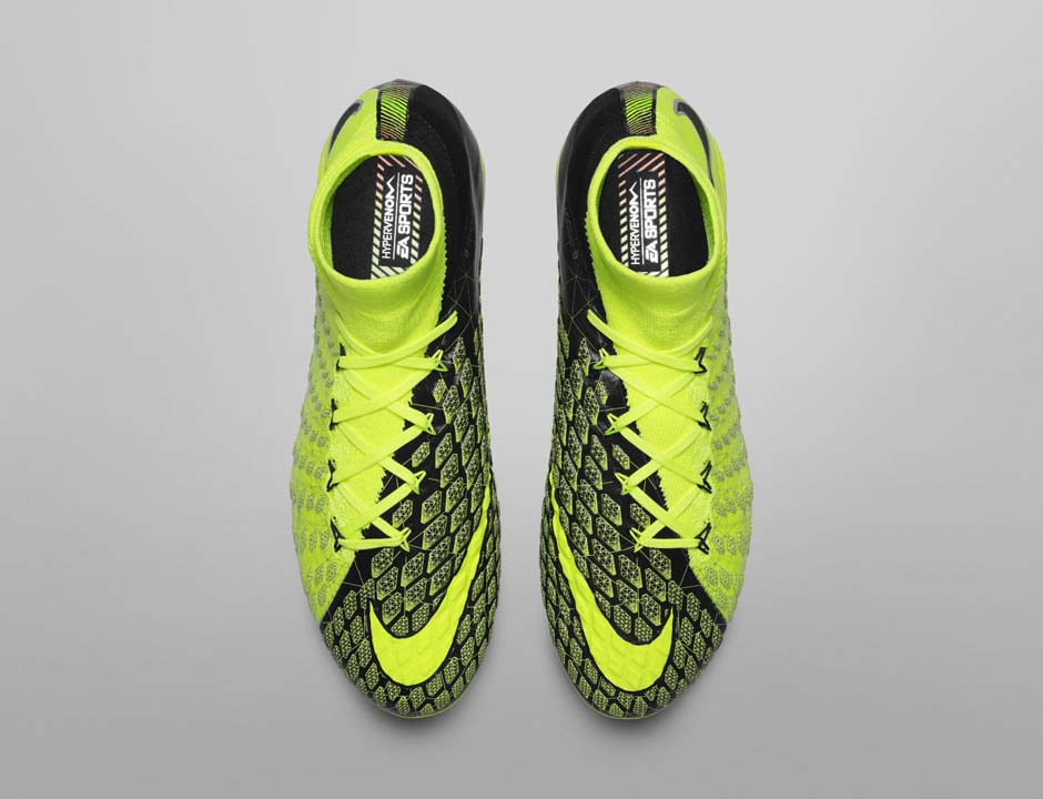 FIFA 18 - Nike X EA Sports Hypervenom 3 shora