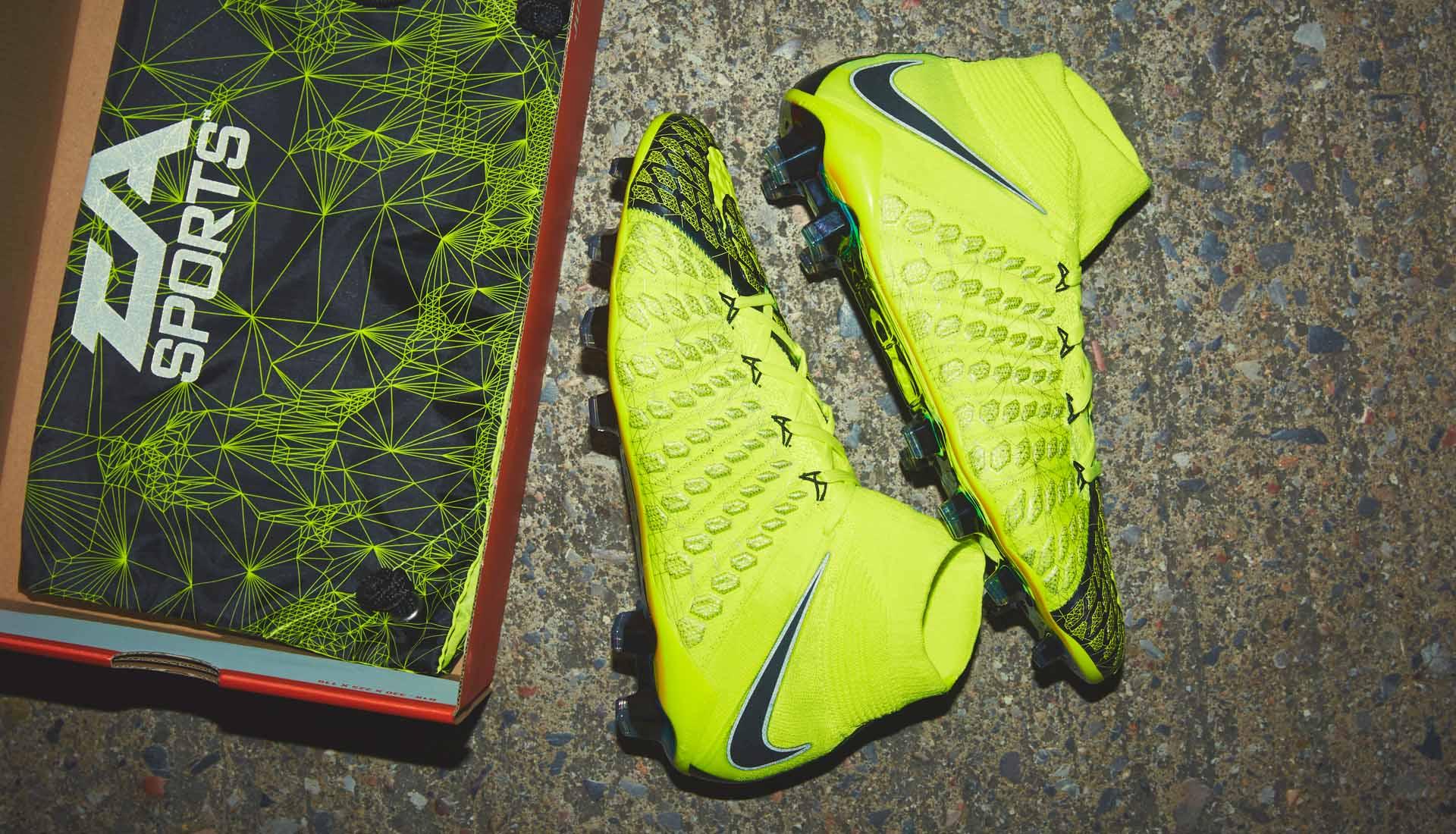 Nike X EA Sports Hypervenom 3 a FIFA 18