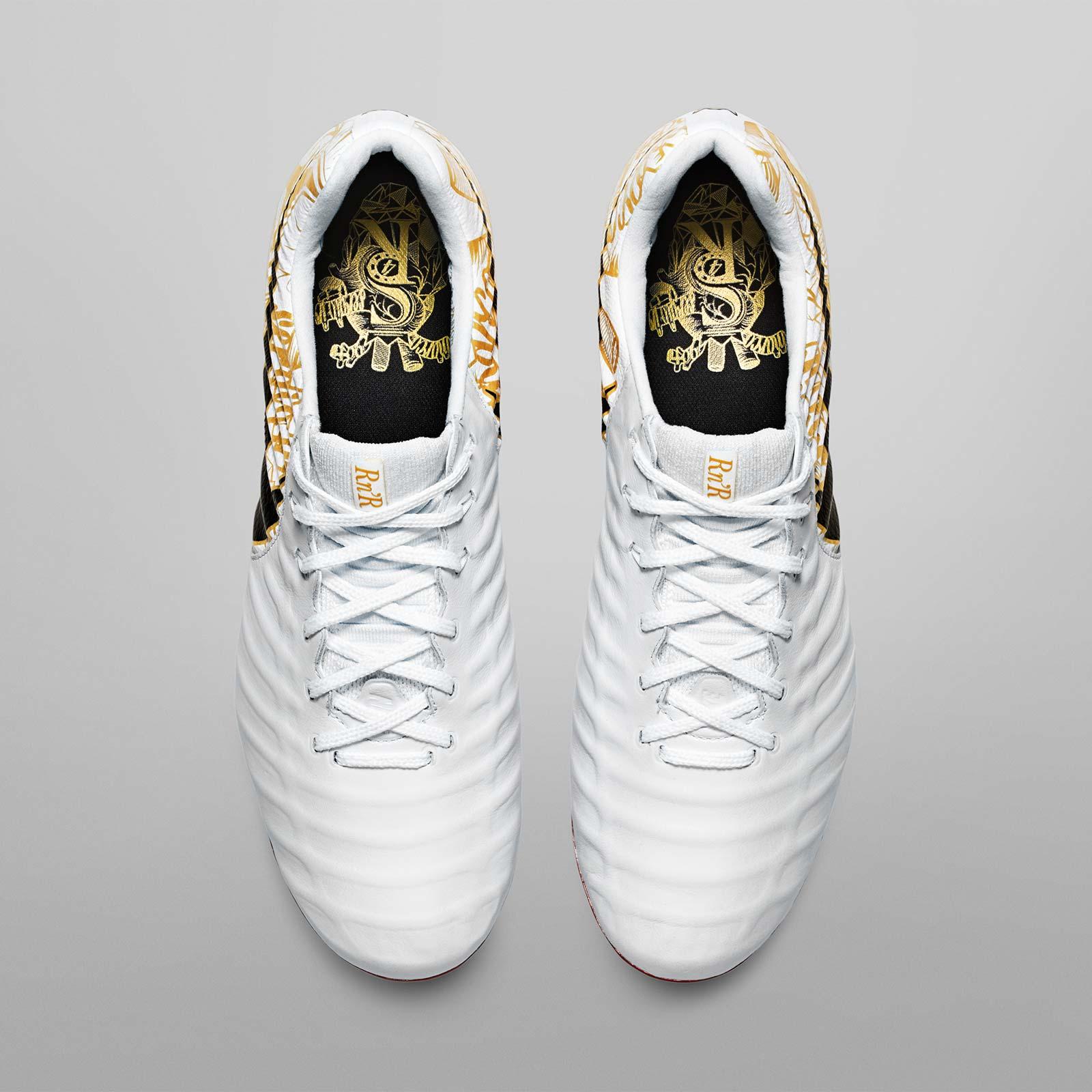 Novinky Nike Tiempo Legend VII Sergio Ramos shora