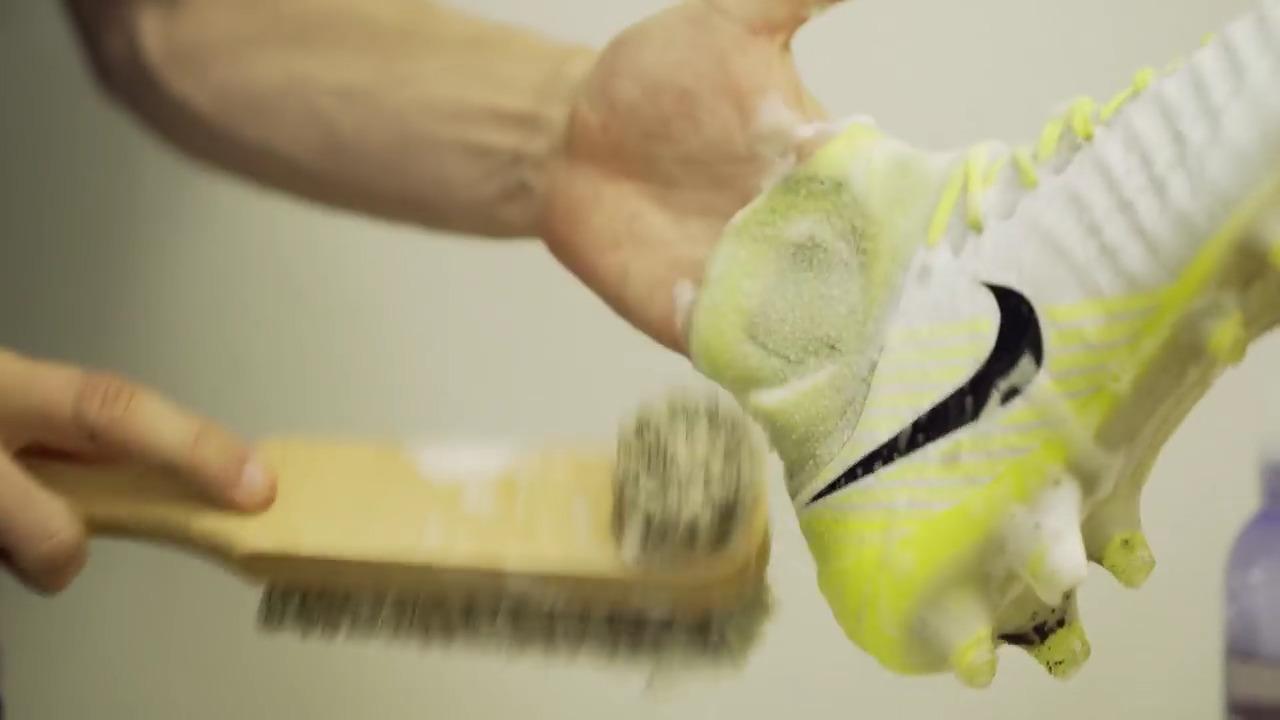jak se starat o kopačky - pletené kopačky